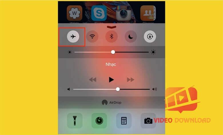 Hình 2 - Chế độ máy bay trên iPhone